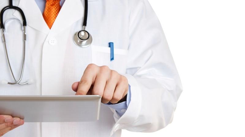 Какой врач лечит шпору: ортопед, хирург, физиотерапевт, массажист